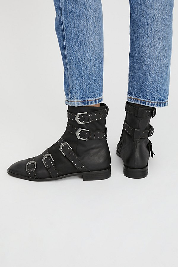 Slide View 3: Archer Ankle Boot
