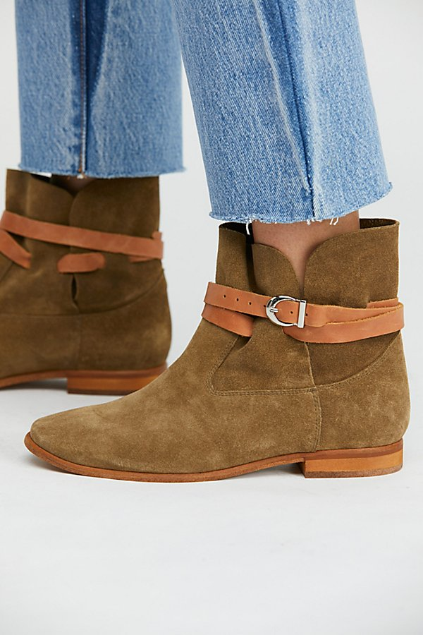 Slide View 3: Lincoln Ankle Boots