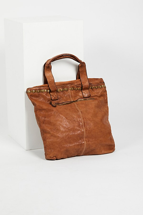 Slide View 2: Benevento Distressed Tote