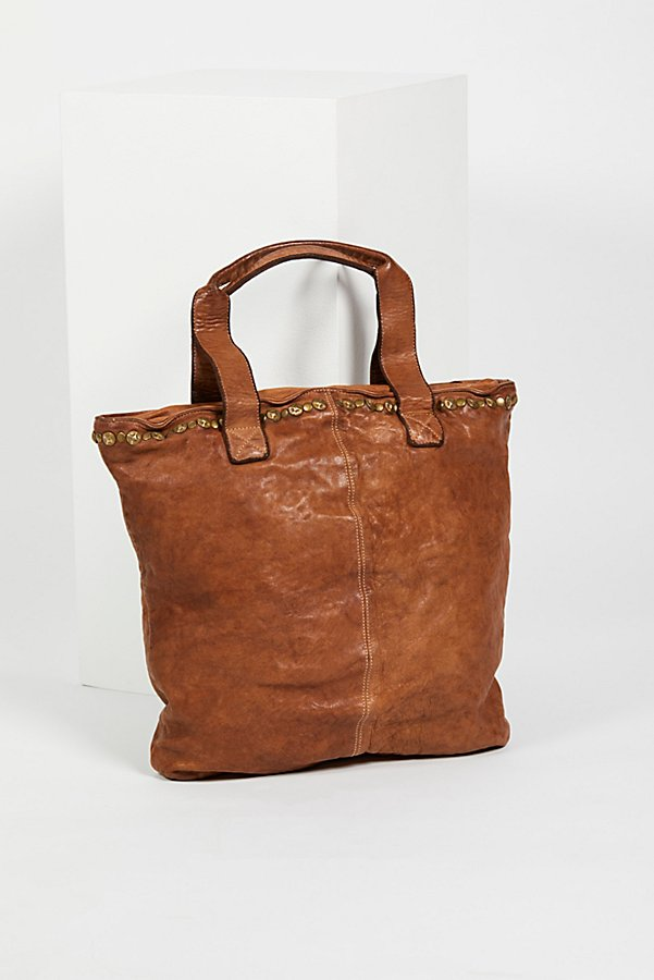 Slide View 4: Benevento Distressed Tote