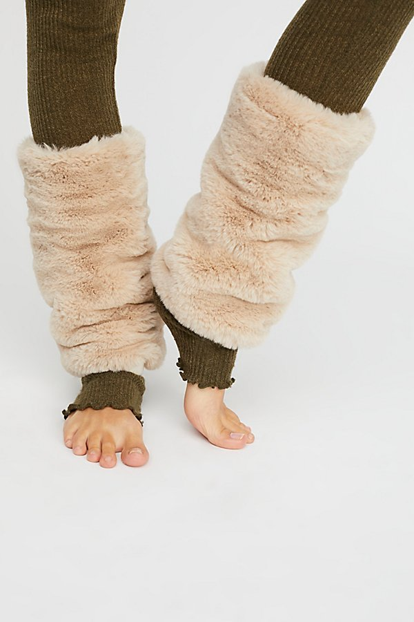 Slide View 2: Slopes Faux Fur Legwarmer