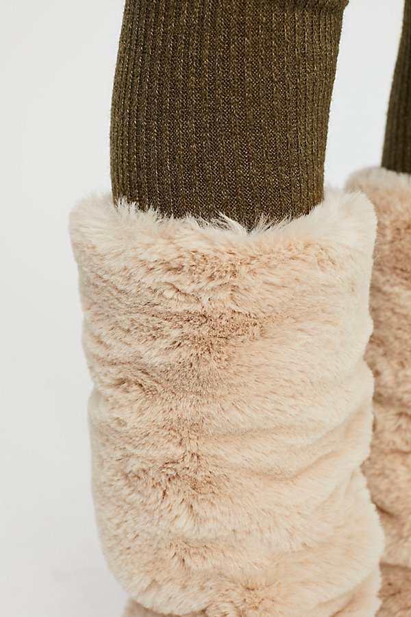 Slide View 3: Slopes Faux Fur Legwarmer