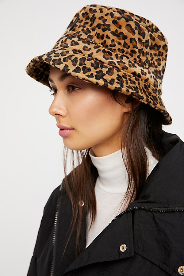 Slide View 3: Mary Kate Leopard Bucket