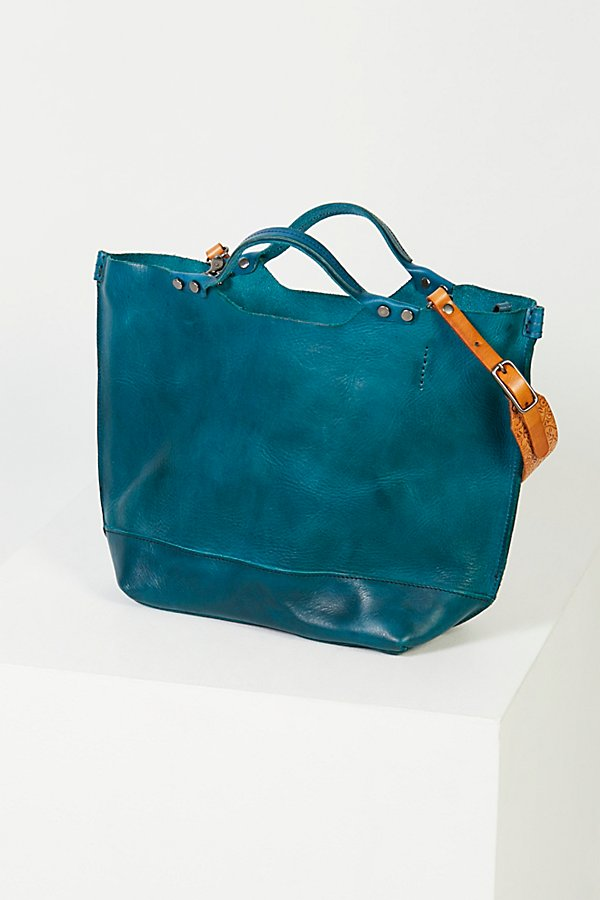 Slide View 4: Loveland Leather Tote