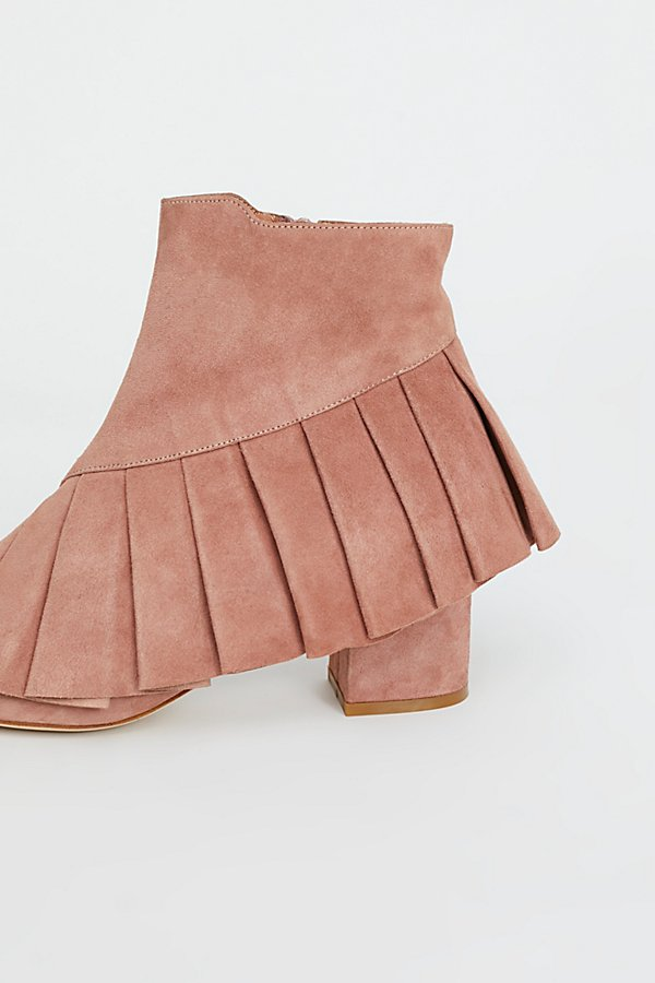 Slide View 3: Ruffle Me Up Boot