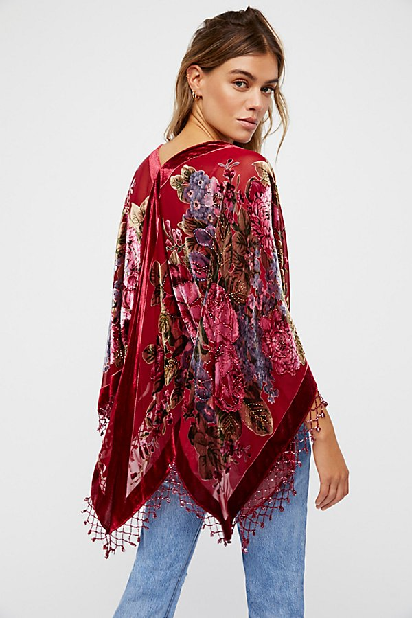 Slide View 1: Date Night Velvet Butterfly Kimono