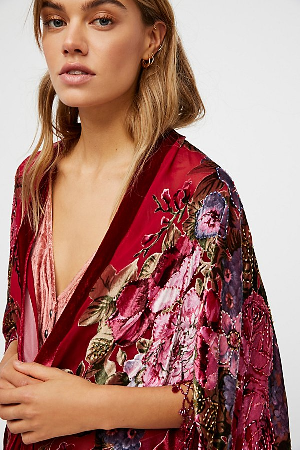 Slide View 3: Date Night Velvet Butterfly Kimono