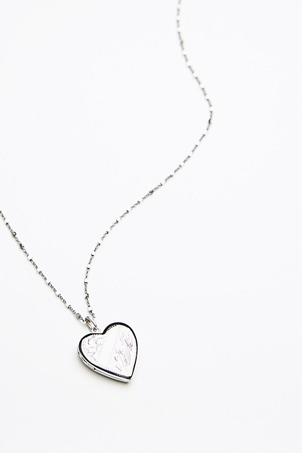 Slide View 3: Shimmer Chain Locket Necklace