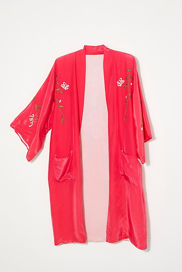 Slide View 1: Vintage 1960s Embroidered Silk Kimono