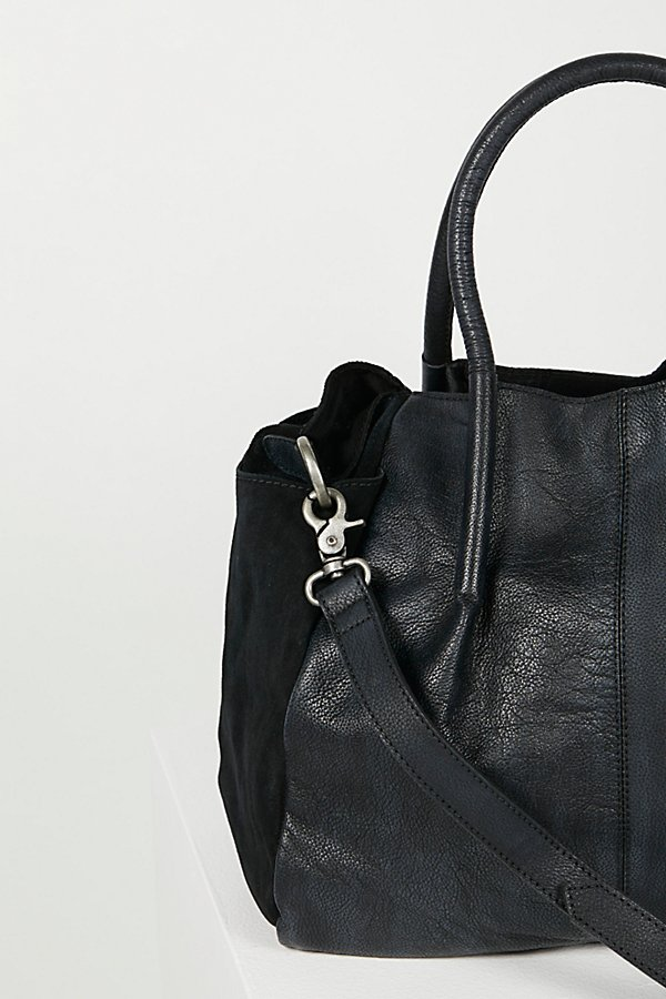 Slide View 2: Modena Leather Tote