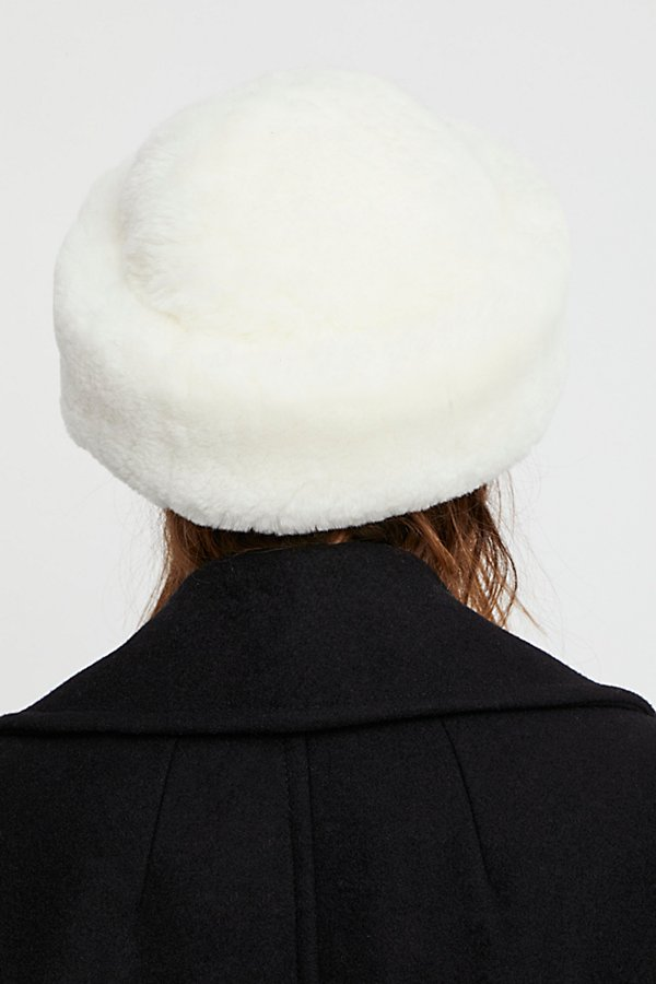 Slide View 2: Snowball Shearling Hat