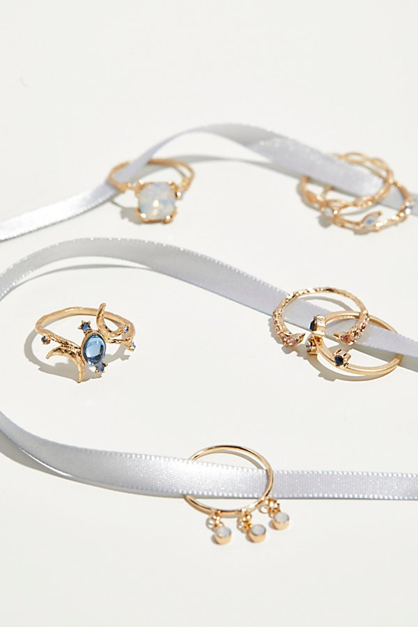 Slide View 2: Duchess Delicate Ring Set