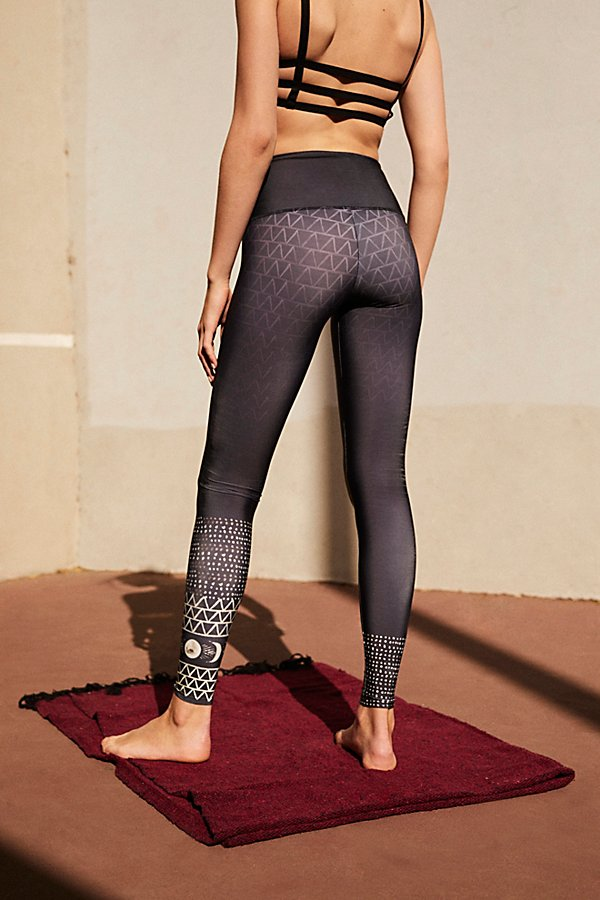 Slide View 2: High Rise Graphic Legging