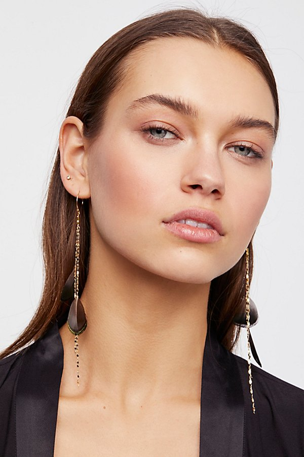 Slide View 1: Feather Fringe Earring