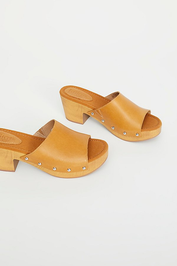 Slide View 1: Malibu Clog